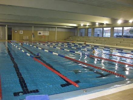 ayuntamiento de punta umbr a la piscina municipal