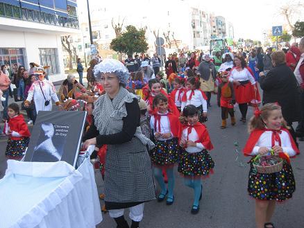 Los escolares de Punta Umbría colorean mañana martes las calles con su cabalgata infantil del Carnaval de la Luz
