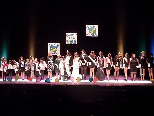 El Carnaval de la Luz de Punta Umbría corona mañana sábado a sus reinas Sara López y Jennifer de los Reyes