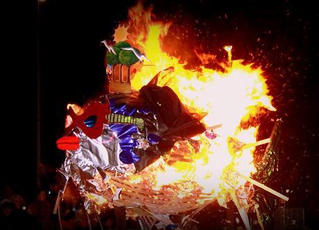 Los puntaumbrieños entierran mañana miércoles a la sardina del Carnaval de la Luz 2014